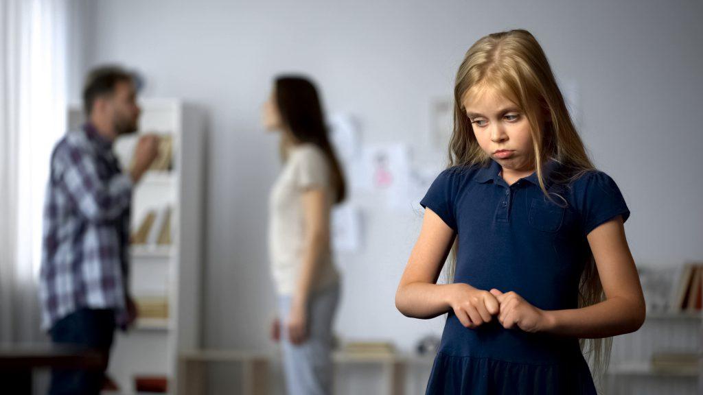borderline oziębłość emocjonalna rodziców dzieciństwo